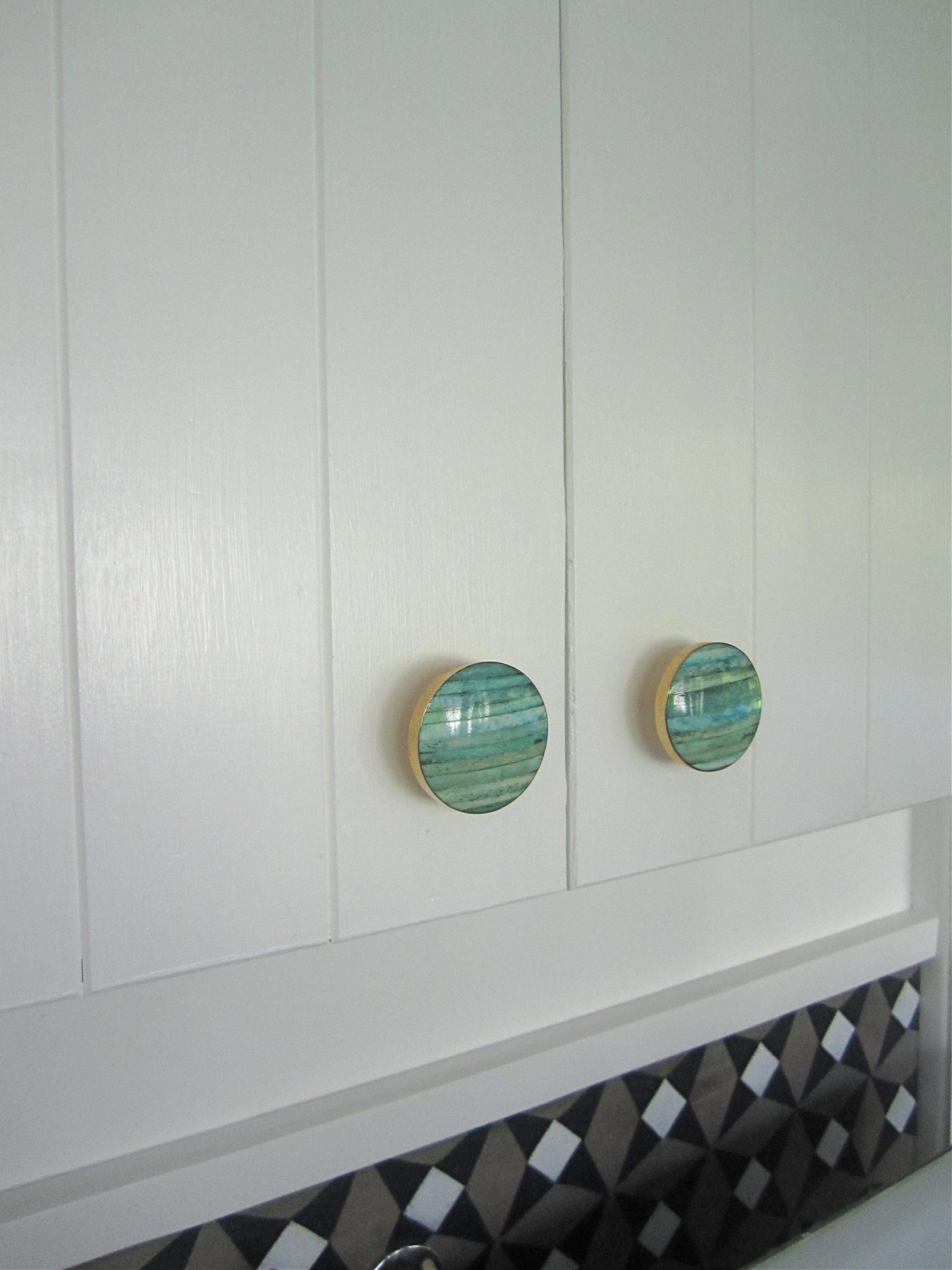 cupboard hardware detail